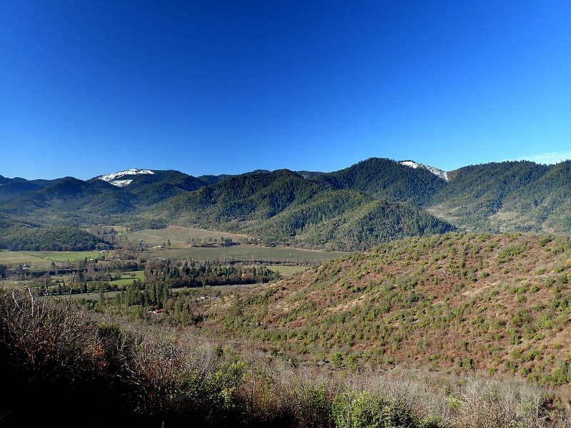 The Rogue River valley from the Sasquatch Trail.