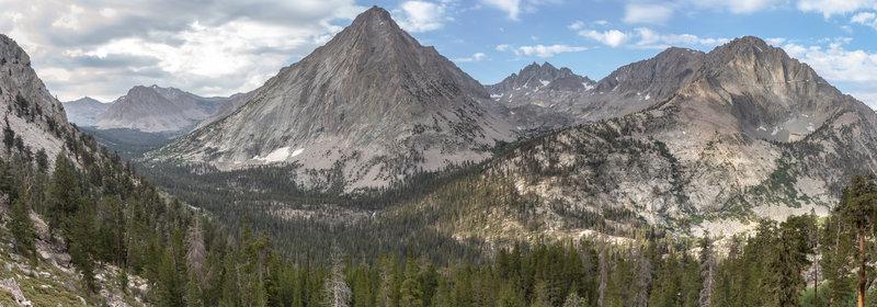 Center Peak, East Vidette, Deerhorn Mountain, West Vidette (from left to right).