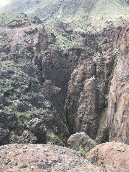 A slot canyon adjacent to the main Bruneau Canyon.
