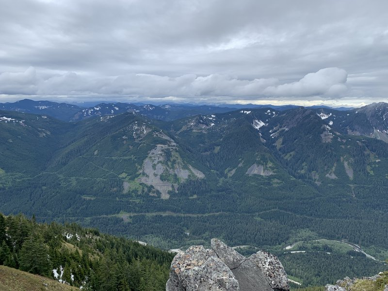 Looking left while at the top on the ridge line. Beautiful 360 degree views!