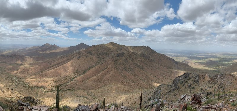 Lookout Viewpoint above Windgate Pass with Thompson, McDowell and Drinkwater Peaks beyond.