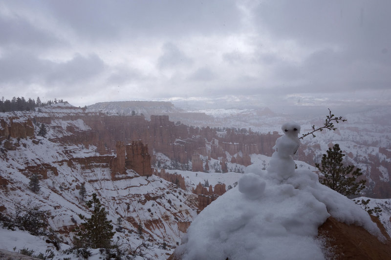 Late May snowman at Bryce Canyon, the end of the wet 2018-2019 winter.
