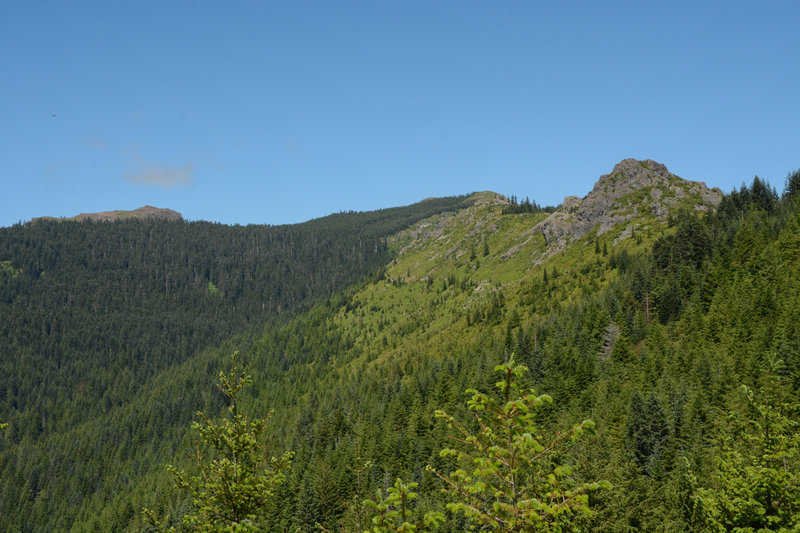 Clear views to Sturgeon Rock (left), Silver Star (center), and Pyramid Rock (right)