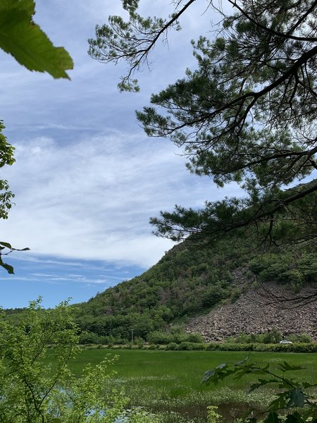 The Tarn from Kane path - so pretty!
