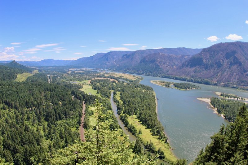 View from top of Beacon Rock.