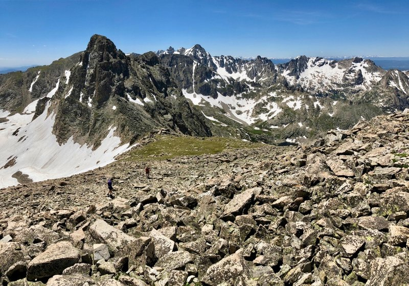 Mountain running at its finest! The view south from the south ridge of Paiute Peak shows no shortage of toothy 12ers and 13ers on the Continental Divide.