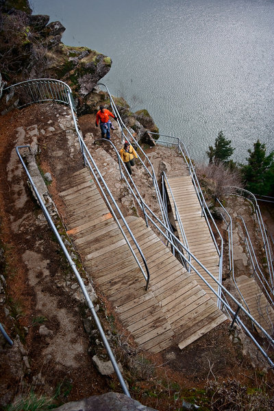 The series of tight switchbacks along the trail to Beacon Rock's summit.