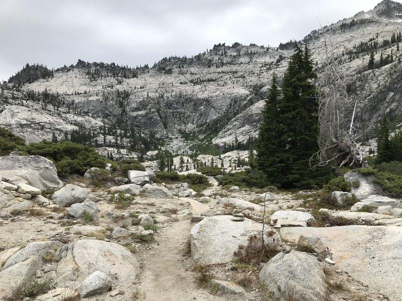Boulder Creek Lakes Trail