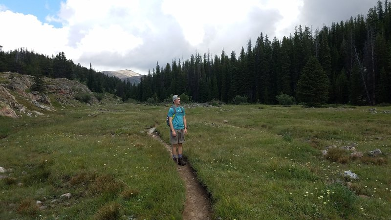 On the trail up to Twin Lost Lakes
