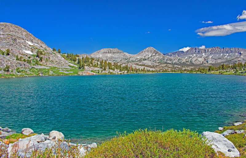 Looking north across lower Davis Lake towards the Koip Crest