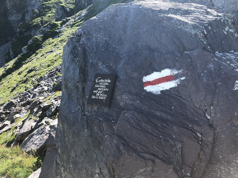 Trail is well-blazed with white and red symbols on rocks.