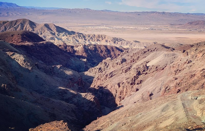 Looking south into Odessa Canyon and out to Yermo
