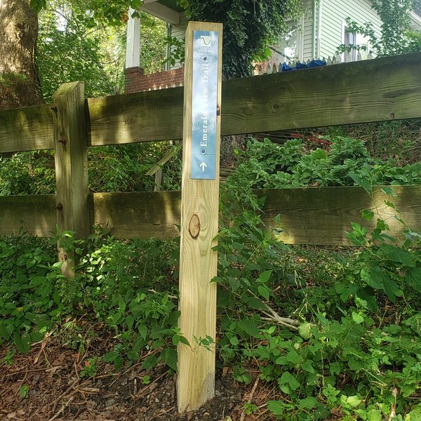 Emerald View Trail Marker - Look for these at intersections on the trail to make sure you are going in the right direction!
