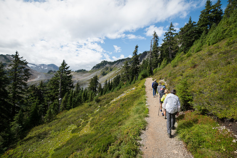 Getting started on the Chain Lakes Trail.