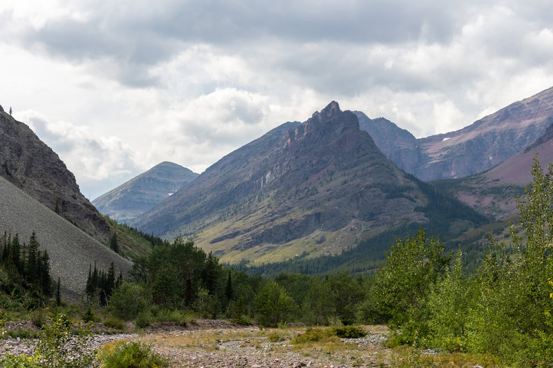 Looking ahead across the bed of Dry Fork towards Red Mountain