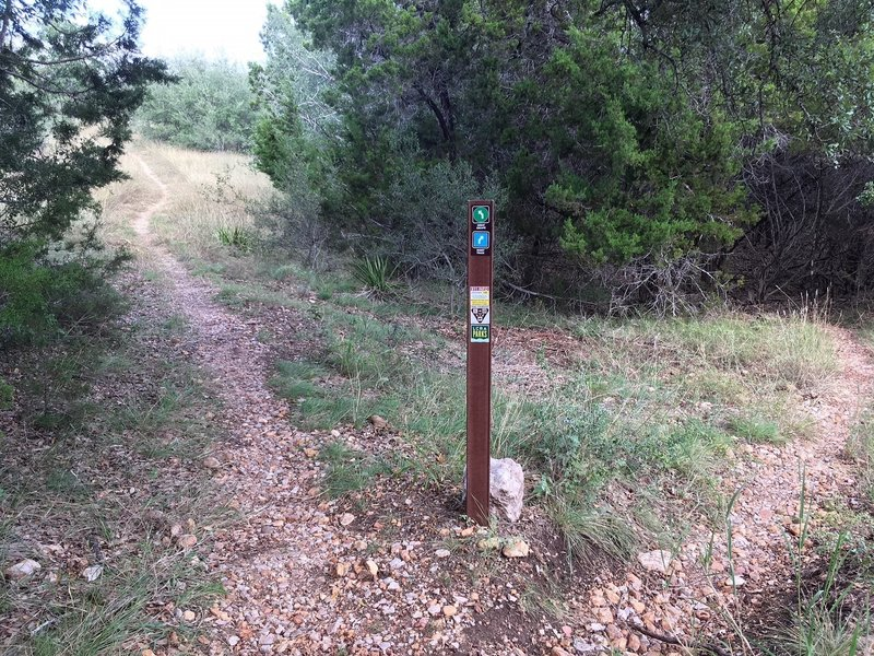 Main trail is marked by green; the 'harder' sections that loop off and back to the main are marked with blue.