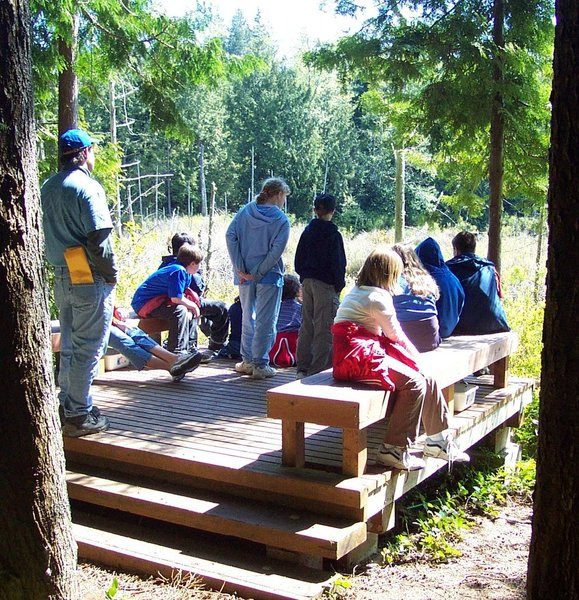 """5th graders learn about wetlands at """"The Quiet Place"""" on Upper Hawk's Pond."""