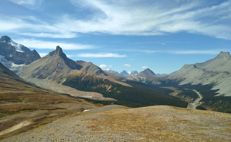 Mount Athabasca (far left), Hilda Peak (left), Wilcox Peak (center right), and Nigel Peak (far right) are seen to the west-northwest from the Parker Ridge Spur.