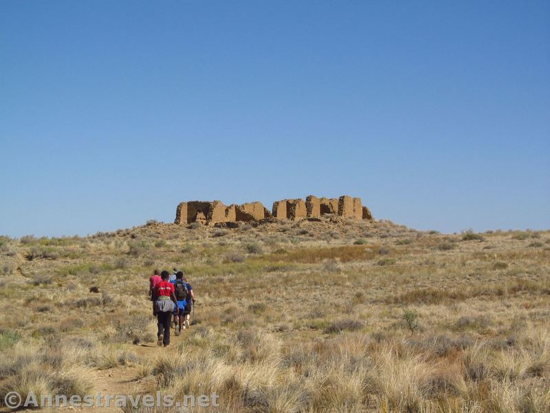 Hiking the spur trail to New Alto