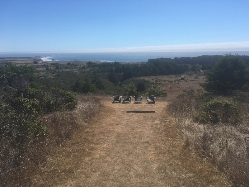 Nice chairs at the top of the loop, looking out at the ocean.