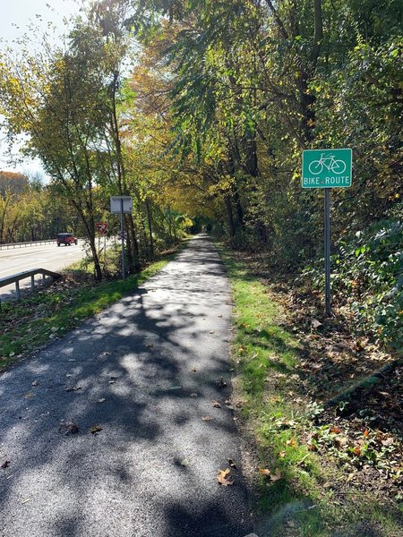 North County Trailway looking south from Law Park in Briarcliff Manor