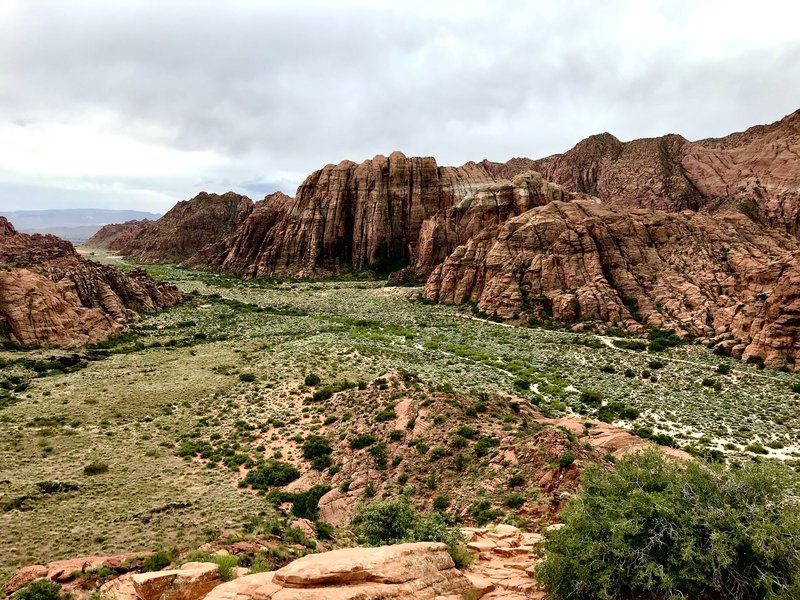 View of the south end of Snow Canyon from the overlook spur. It's well worth the small climb to the top of the hill.
