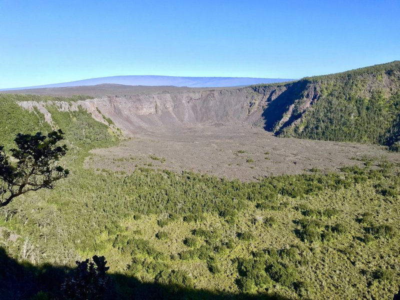View of Makaopuhi Crater when returning from Napau Crater