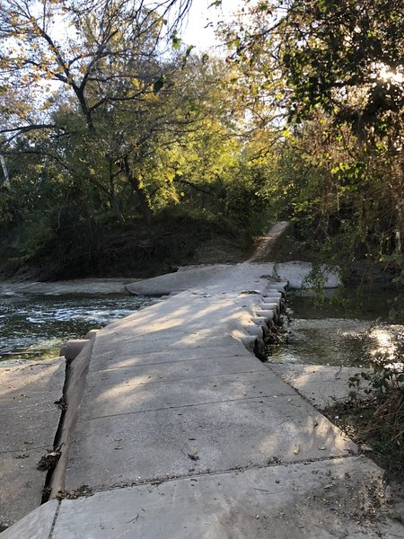This is a photo of the creek crossing by Duck Creek road. Easily possible as long as the creek is low. Do not attempt in high water.