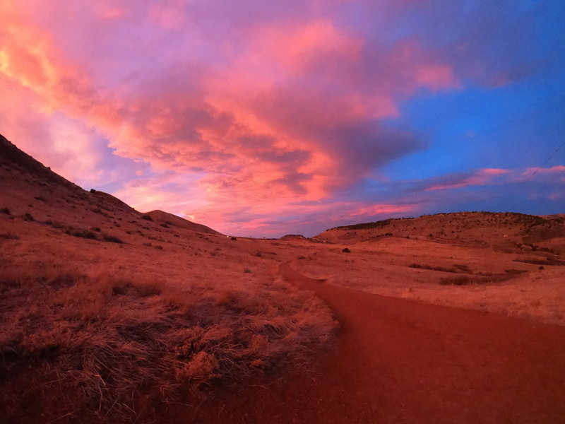 The sunset provided a beautiful color wash while heading back to the parking lot.