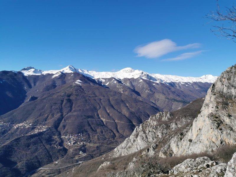 Deshat Mountains