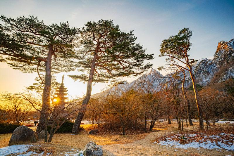 Sunrise near the park entrance of Seoraksan National Park