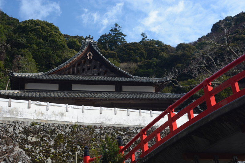 The colorful bridge at Ryuanji Temple