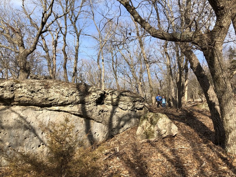 The trail wraps around lots of neat rock formations!