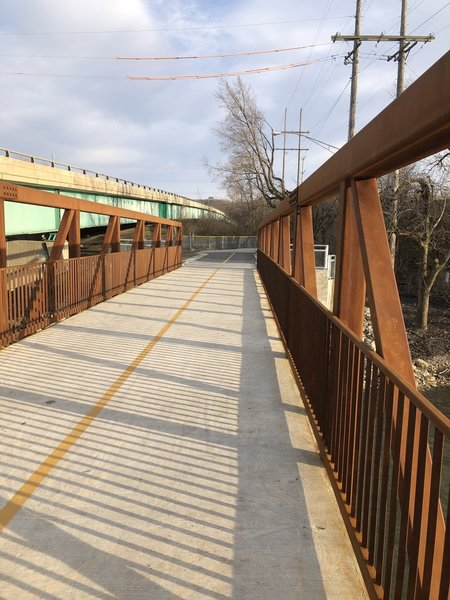 Pedestrian and bike bridge over the Des Plaines River at Willow Springs Road