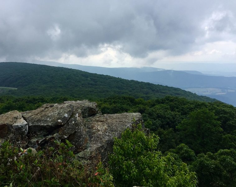 A rocky overlook on the North Marshall Trail.