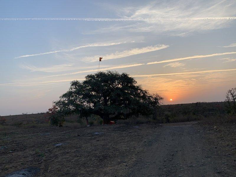 Sunrise at the start of the Ratnapur Trail.