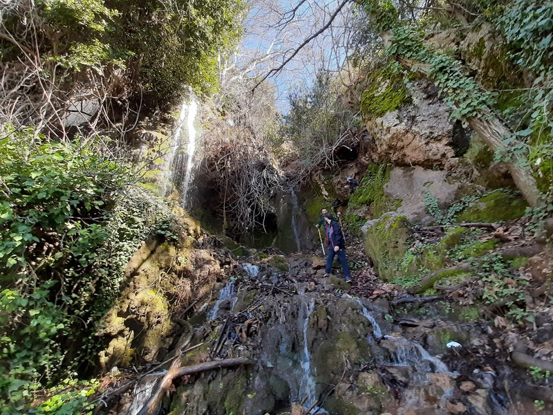 Waterfall below Aintourine