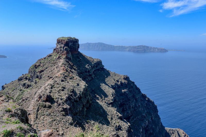 Skaros rock and Ekklisia Theoskepasti hiking trail.