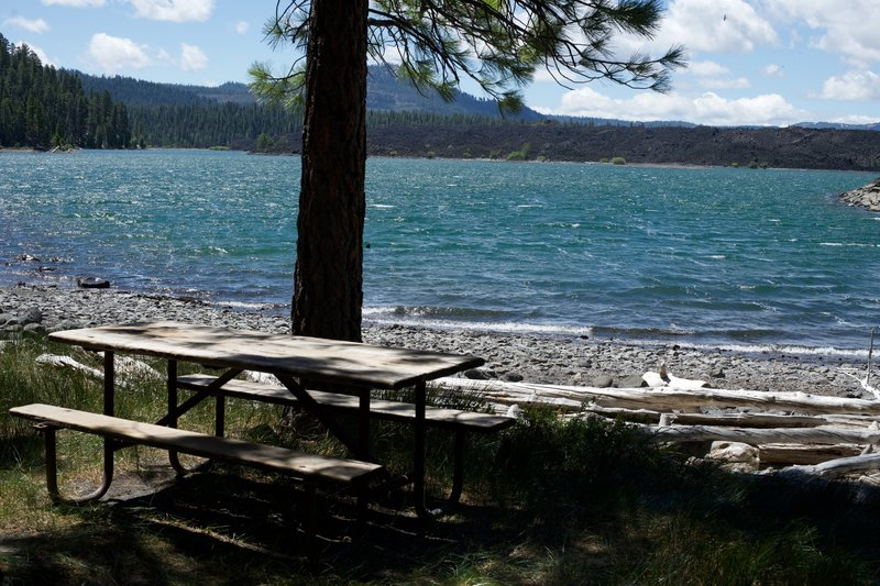 A picnic table sits at the head of Butte Lake.