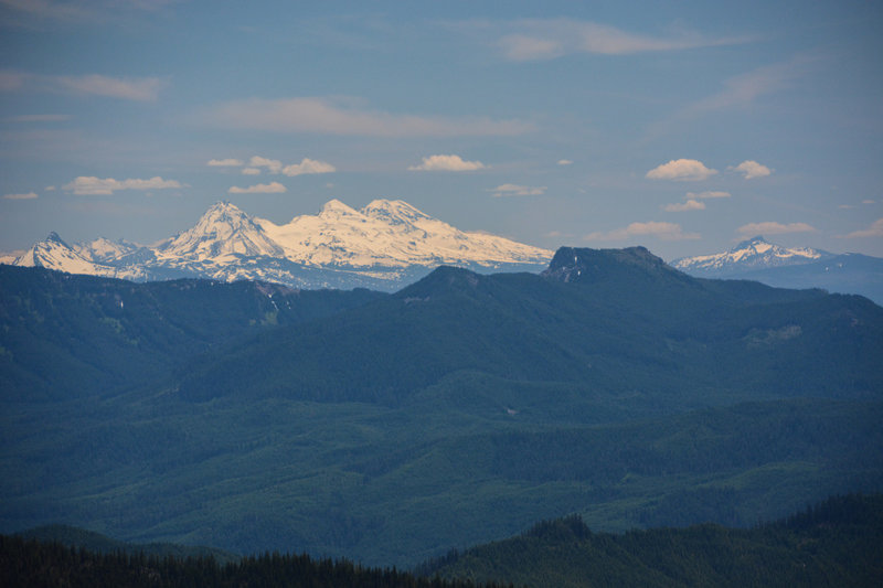 Clear views to the Three Sisters