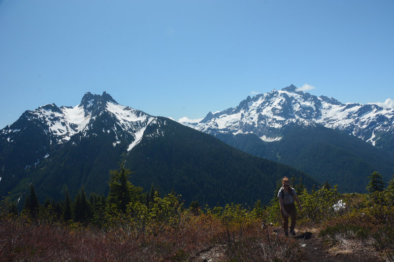The knob at just over 5,200 feet offers amazing views of Sefrit, Shuksan, and Baker.