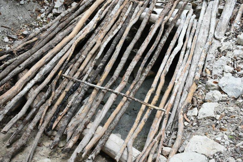 Aguas termales (hot spring)