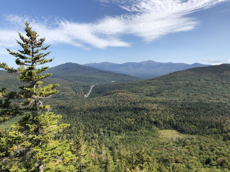 Beautiful views of Mount Washington from the North Sugarloaf summit.