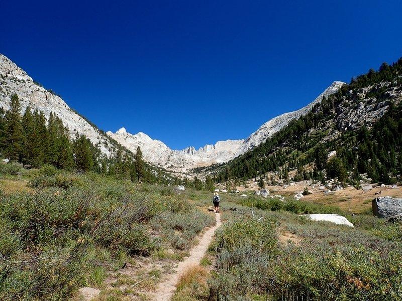 On toward Sawtooh Ridge and Burro Pass.