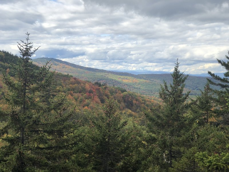 A viewpoint just before descending West Quarry Mountain.
