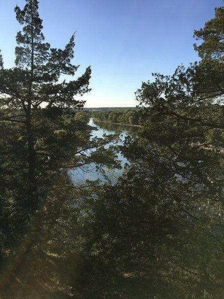 Scenic overlook facing northwest on top of Starved Rock.