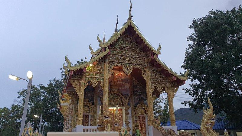 Wat Prathat Doi Kham before sunset.
