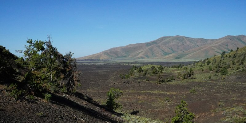 View of the distant hills along the North Crater Trail