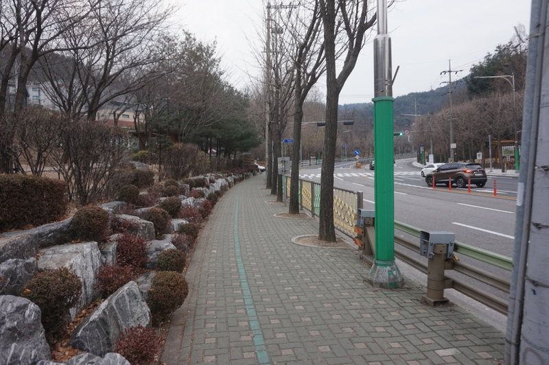 Section 8 of the Seoul Trail at Jinheung-ro, taken on 10th of December 2020