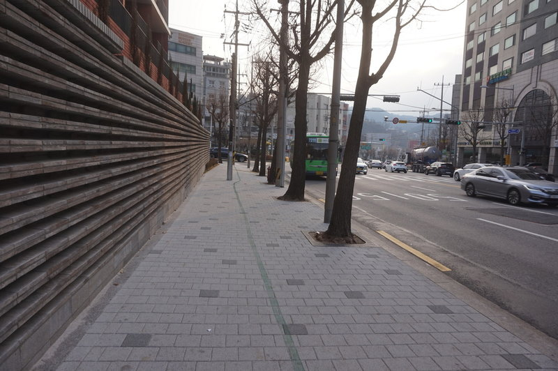 Section 8 of the Seoul Trail on Jinheung-ro, taken on 10th of December 2020